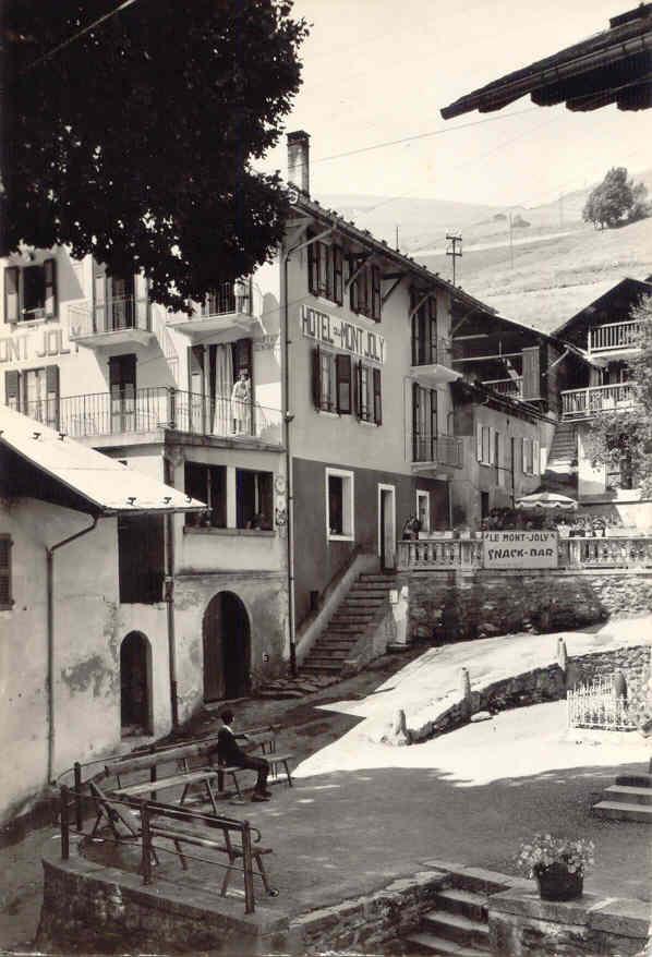 Hauteluce Hotel Mont Joly place eglise
