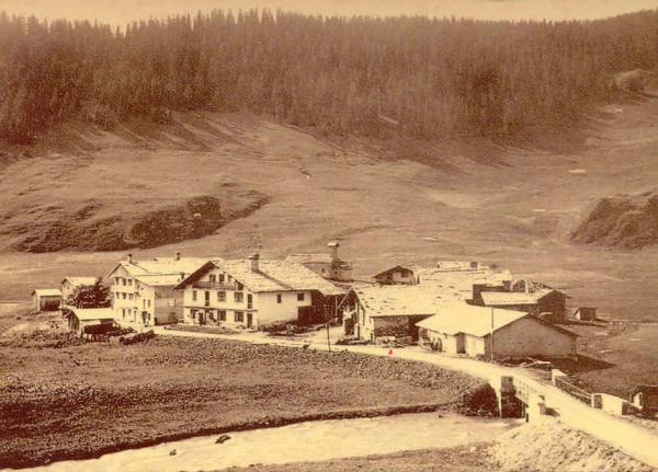 Roselend le village