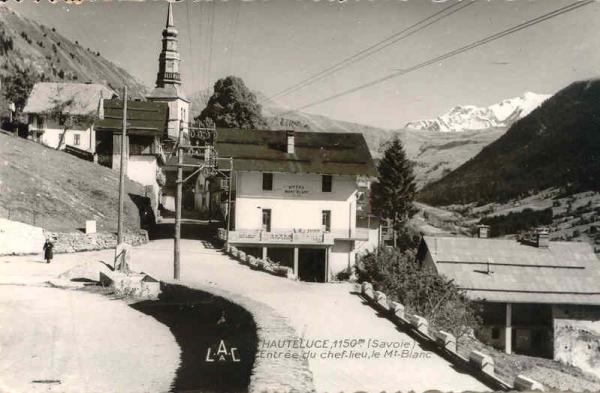 Hauteluce entree village hiver