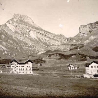 Cartes postales anciennes du barrage de Roselend