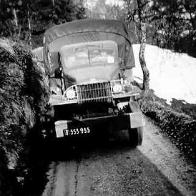 Construction du pont sur l'ancienne route de Beaufort en 1955 par l'armée