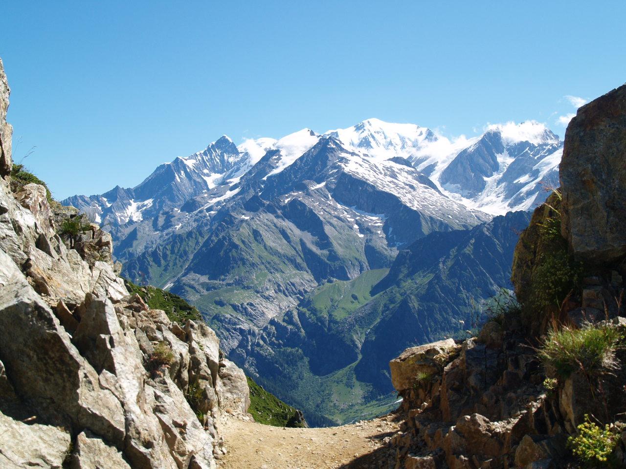 Le Mont Blanc vu du col de la Fenêtre